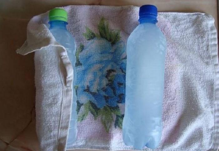 Возьмите полотенце, намочите, заверните в него бутылку и поставьте на солнечное место / Фото: budmolod.cx.ua