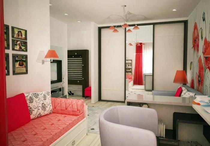 В хрущевке каждый сантиметр на счету, поэтому подбирайте мебель под потолок / Фото: toremont.ru