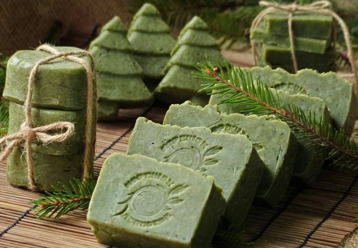 Мыло - отличная идея для подарка и всегда пригодится в быту / Фото: luchshii-blog.ru