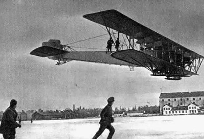 Четырехмоторные самолеты стали первыми в истории тяжелыми бомбардировщиками, которые проявили себя в годы Первой мировой / Фото: blackpast.org