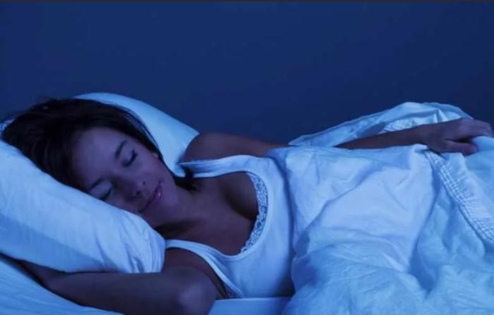 Методика помогает расслабиться и уснуть за 120 секунд / Фото: billing4.net