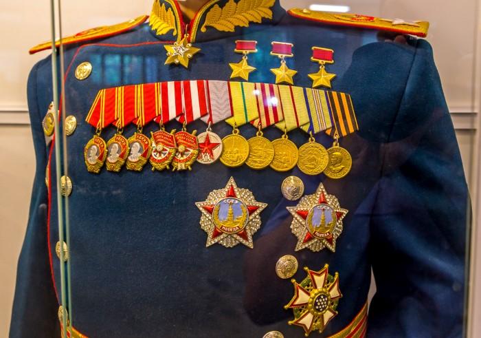 Китель маршала Советского Союза Г. К. Жукова с наградами из музея / Фото: mtdata.ru