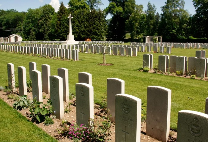 Запрет связан с тем, что в регионах недостаточно кладбищ или возможны сложности с похоронной процессией / Фото: cdn.pixabay.com