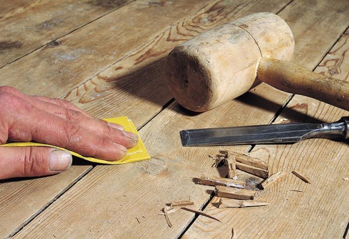 Клинья воспрепятствуют трению панелей друг о друга, так что скрип на какое-то время исчезнет / Фото: pol-exp.com