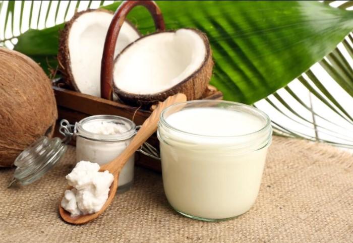 Кокосовое масло помогает повысить иммунитет, снизить уровень холестерина, улучшить метаболизм / Фото: shkolazhizni.ru