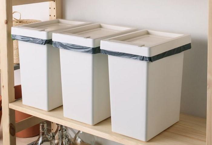 Соберите несколько контейнеров и организуйте компактную систему хранения / Фото: design-homes.ru