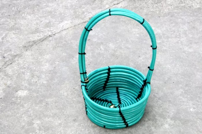 Проще всего сделать садовую корзинку / Фото: homius.ru