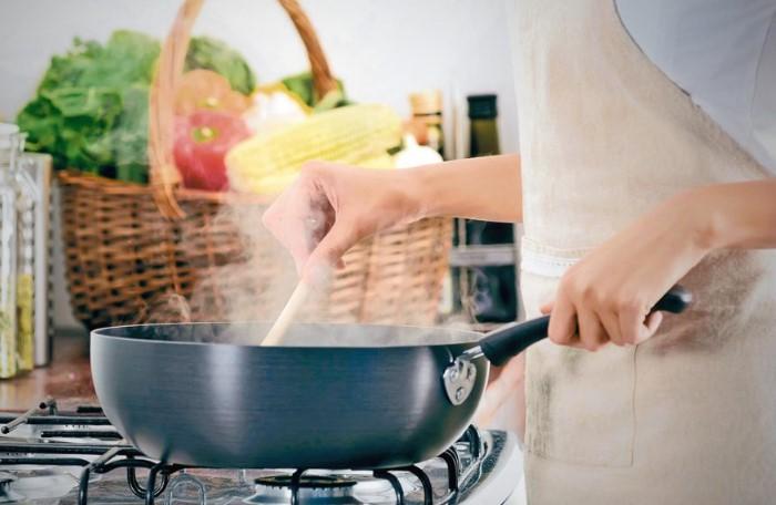 Не спешите ставить крест на пересоленном блюде, ведь его можно спасти / Фото: zhirunet.com