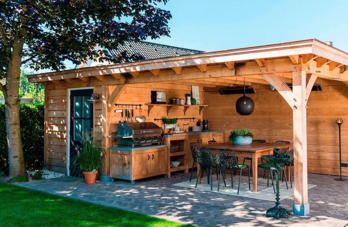Бытовая техника, мебель нуждаются в защите от палящих солнечных лучей и дождя / Фото: odstroy.ru