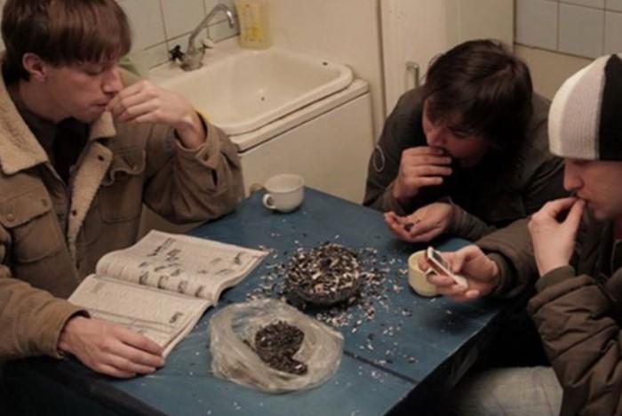 Вплоть до Октябрьской революции 1917 года эта привычка считалась бескультурной и маргинальной / Фото: sun9-43.userapi.com