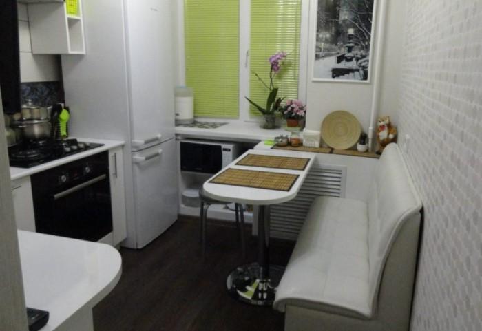 Маленькая мебель не раскладывается, зато хорошо вписывается в ограниченное пространство / Фото: freelancehack.ru