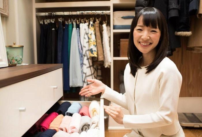 Мари Кондо - японская писательница и специалист по наведению порядка в доме / Фото: novuyden.com