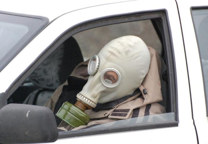 Формальдегид и бензол - токсичные вещества, которые вызывают много проблем со здоровьем / Фото: rualavto.ru