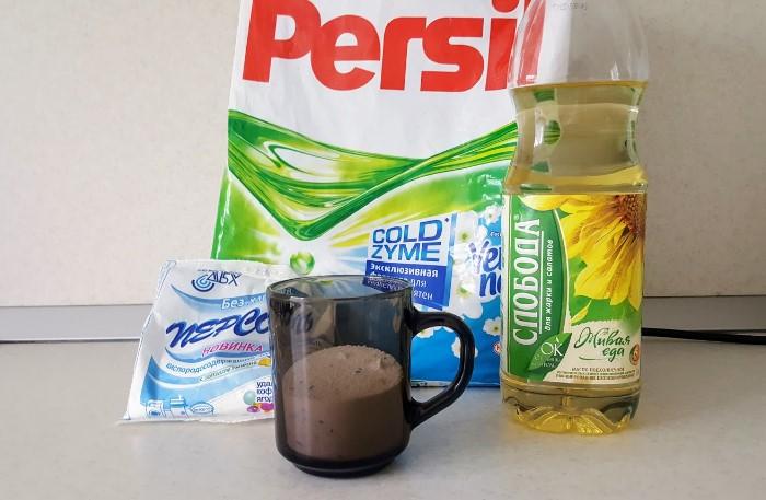 Растительное масло освежит белые и светлые кухонные полотенца, скатерти, салфетки / Фото: severdv.ru