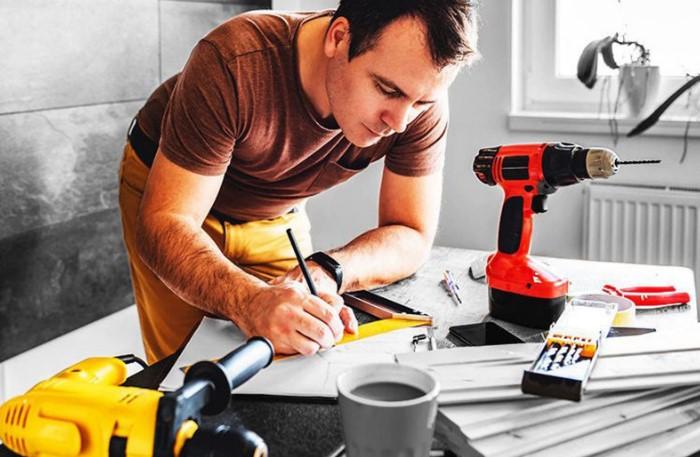 Чтобы избежать обмана, работайте по договору или берите с мастеров расписки / Фото: fion.ru