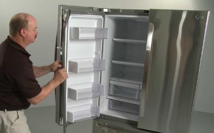 Если резинка ссохлась, затвердела или сильно потрескалась, ее лучше заменить / Фото: i.ytimg.com
