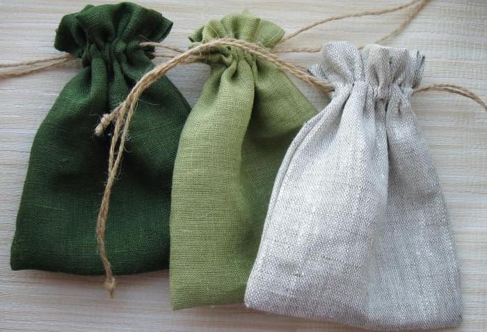 Насыпьте порошок в льняные мешочки и положите в шкафы / Фото: cs3.livemaster.ru