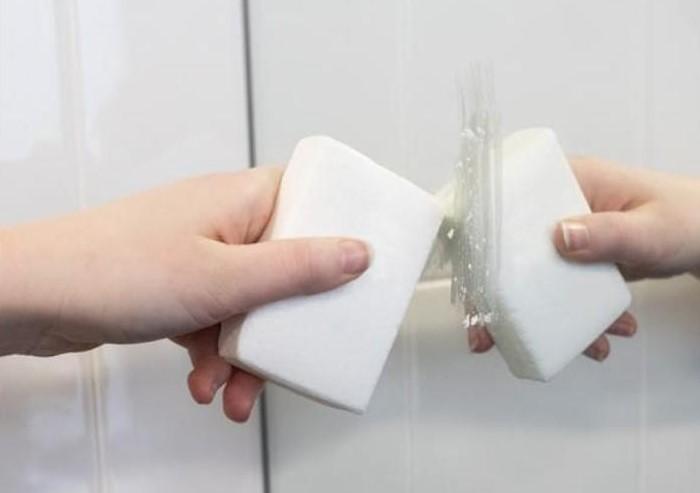 Лайфхак особенно актуален для зеркал в ванной и дверей душевых кабин / Фото: mtdata.ru