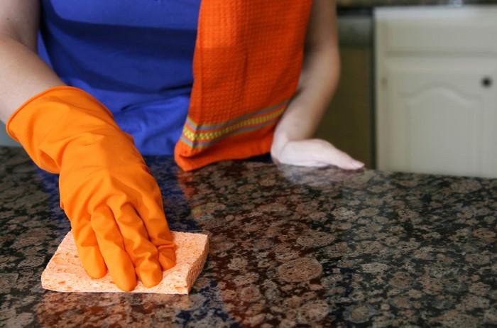 Правильный уход за кухонной столешницей продлит срок ее эксплуатации