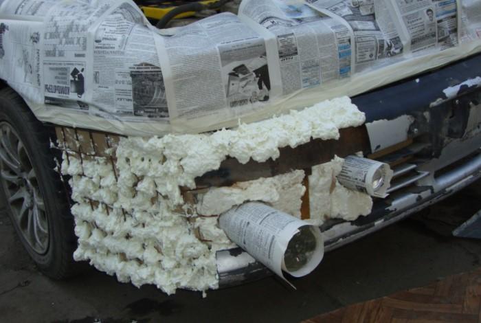 Если нужно срочно и временно отремонтировать авто, поможет монтажная пена / Фото: a.d-cd.net