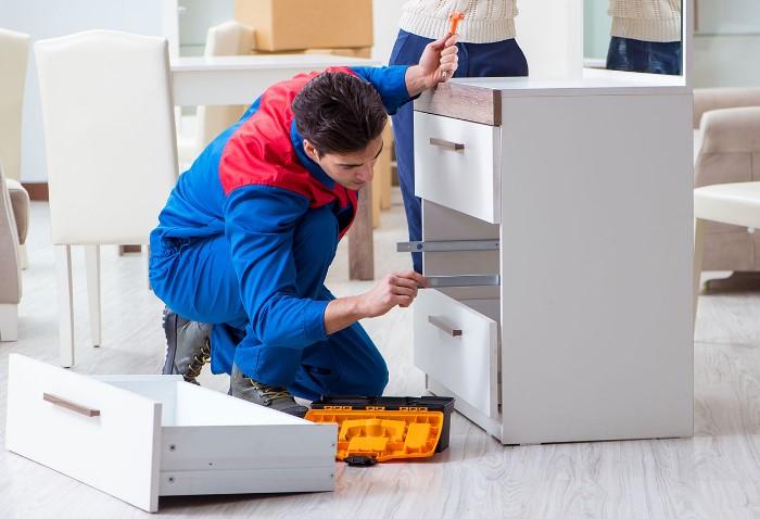 Добросовестный специалист старается выглядеть опрятно и работать аккуратно  / Фото: umzugsservice-zh.ch