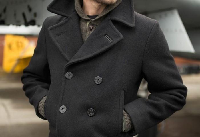 Если не уверены в материале пальто, воспользуйтесь универсальными советами / Фото: cdn.sm-news.ru