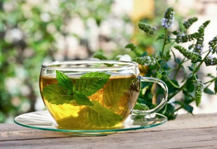 Мятные чаи и настои - эффективный расслабляющий и успокаивающий напиток / Фото: stihi.ru