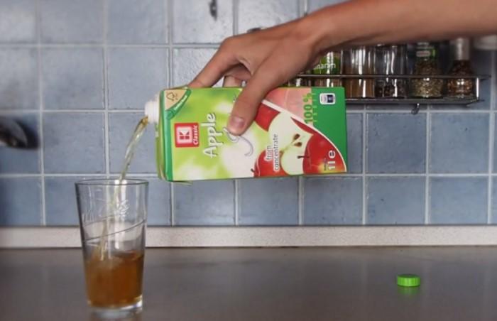 Каждый день мы совершаем множество ошибок, в том числе - неправильно наливаем сок