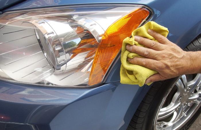 Смазки, спреи, пасты или гели одинаково эффективны для защиты фар / Фото: forum-htc-dev.net