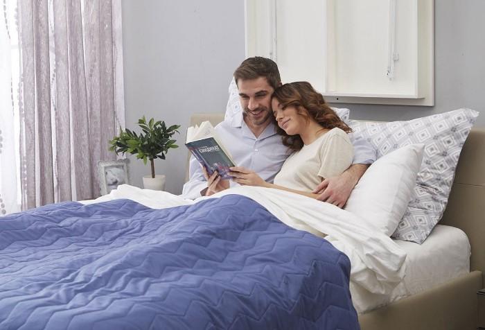Отдыхать в чистой постели - одно удовольствие / Фото: hoff.ru