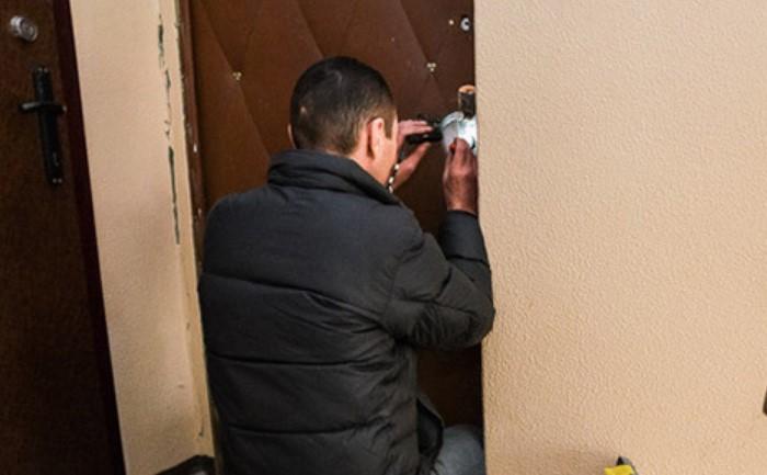Старайтесь соблюдать спокойствие и вежливо отвечать на расспросы домочадцев / Фото: content.onliner.by