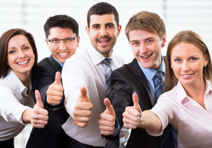 Сегодня этот жест означает позитивное намерение - «Класс!» / Фото: fb.ru