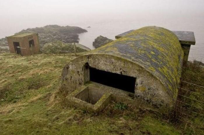 Группа фортовых сооружений на границе Великобритании и Ирландии была построена еще в викторианскую эпоху / Фото: vseznaesh.ru