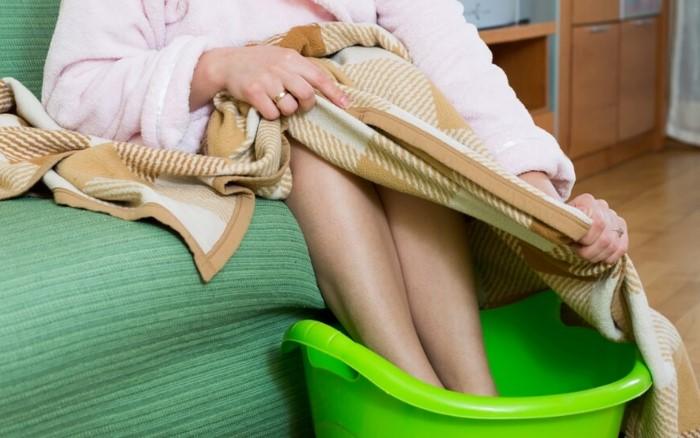 После парных процедур наденьте шерстяные носки / Фото: tvojlor.com