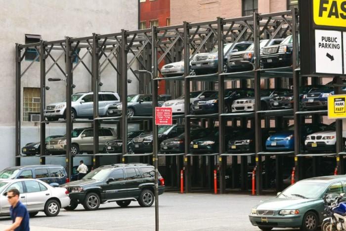 Вертикальная парковка возле офиса в Нью-Йорке / Фото: rock-cafe.net