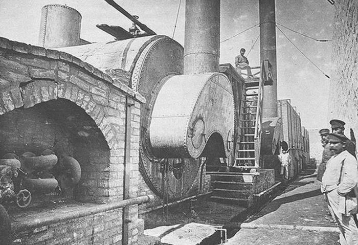 B 1878 году, опираясь на идею Менделеева и опыт американцев, инженеры Александр Бари и Владимир Шухов создали первый в империи нефтепровод / Фото: vseznaesh.ru