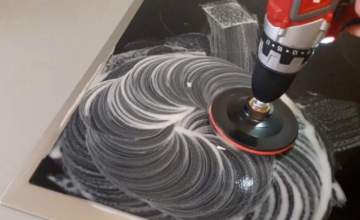 Шлифовальная машинка поможет удалить царапины со стеклокерамики