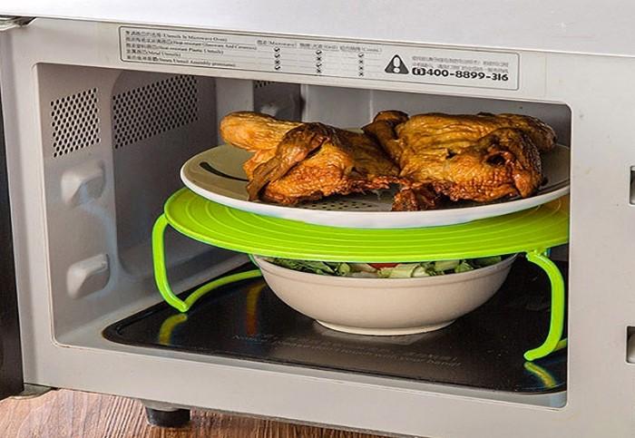 Также можно приобрести специальную подставку для второго блюда / Фото: cdn1.ozone.ru