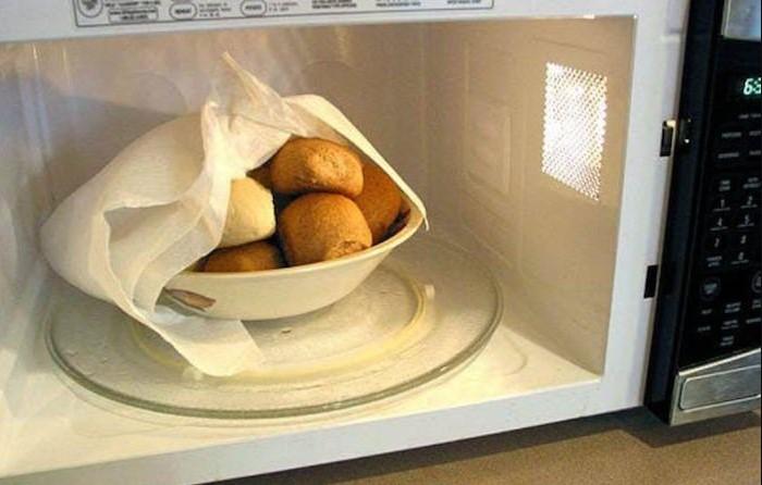 Как при помощи бумажных полотенец добиться идеальной корочки на мясе, или 7 полезных хитростей на кухне