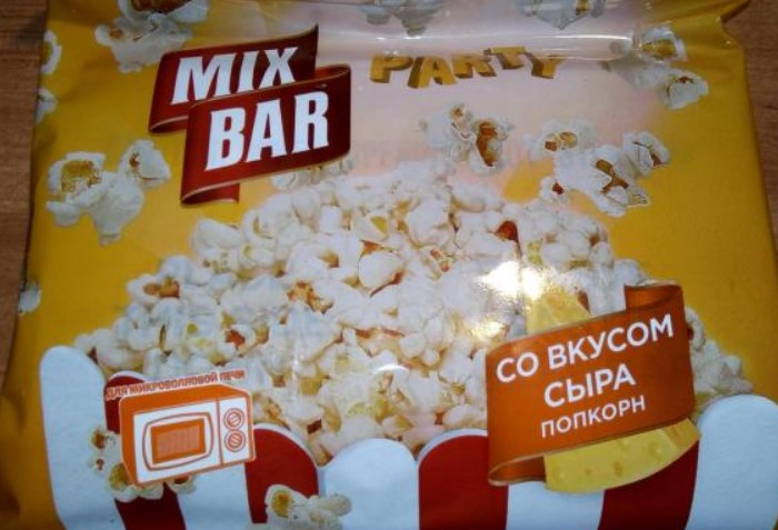 В несладком попкорне много соли и жиров / Фото: i6.otzovik.com