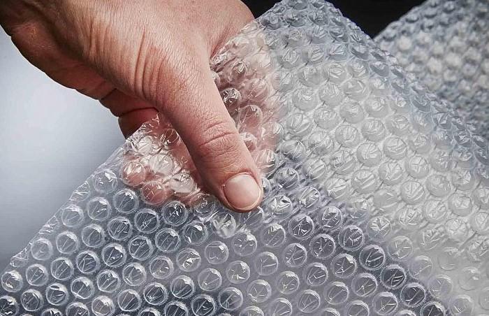 Изначально пузырчатая пленка должна была стать футуристическими обоями / Фото: pravda.cn.ua