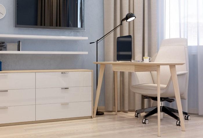 По возможности расположите стол так, чтобы сидеть спиной к стене / Фото: i.pinimg.com