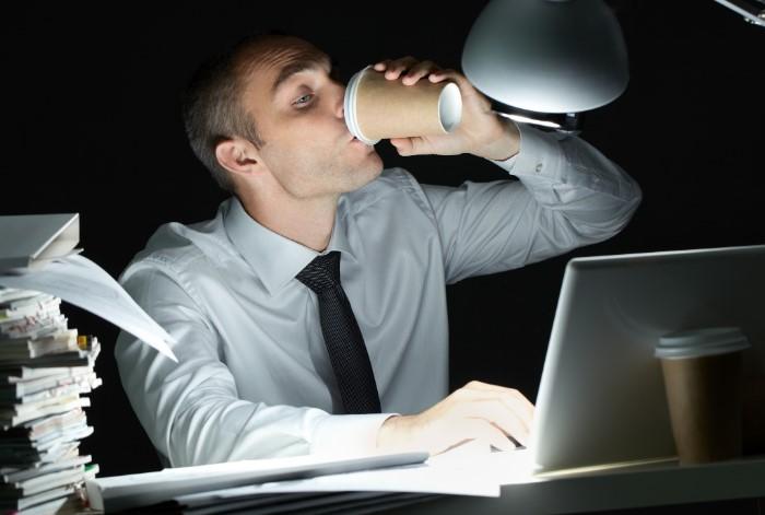 Для работы ночью требуется немало сил и энергии