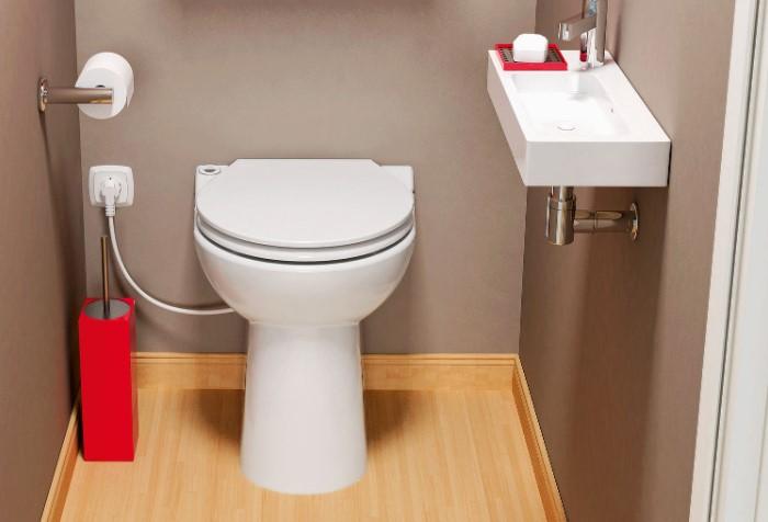 Если у вас раздельный санузел и туалет находится в отдельной комнате, сделайте розетку и там / Фото: in-wohnen.de