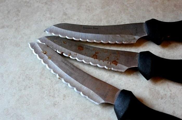 Нанесите винную пасту на ржавые участки и сотрите через пару часов / Фото: i.pinimg.com
