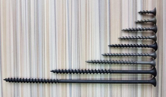 Саморезы бывают разной длины и качества / Фото: building-ooo.ru