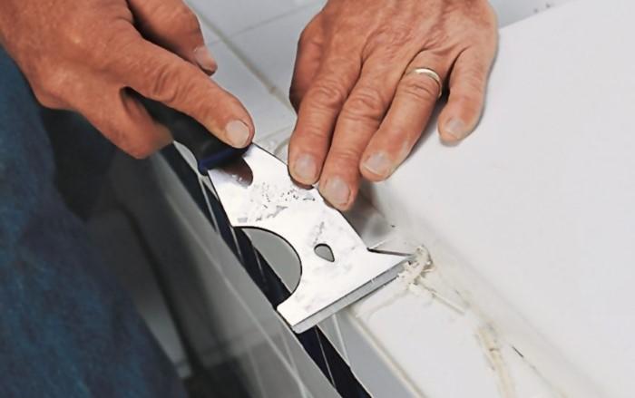 Как растворить остатки силиконового герметика, чтобы не повредить поверхность под ним