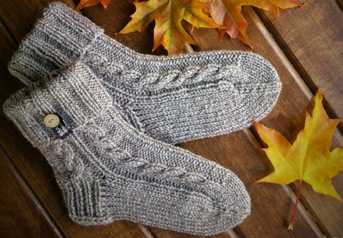 Шерстяные носки теплее и практичнее хлопковых / Фото: essahandmade.ru