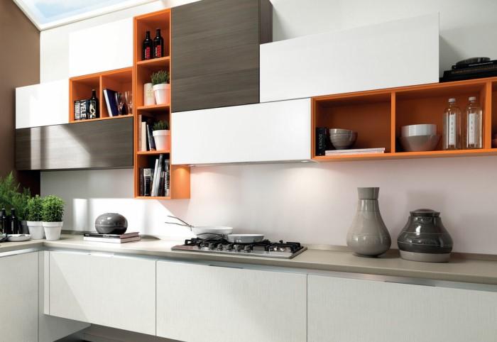 Нестандартное расположение шкафчиков может существенно снизить функциональность кухни / Фото: vestnikao.ru