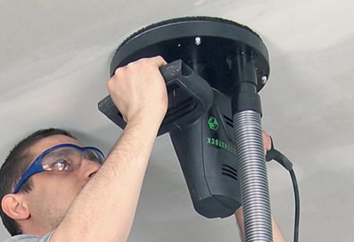 По мере того, как слой побелки становится тоньше, переходите от крупных зерен к мелким / Фото:e-ctr.com.ua